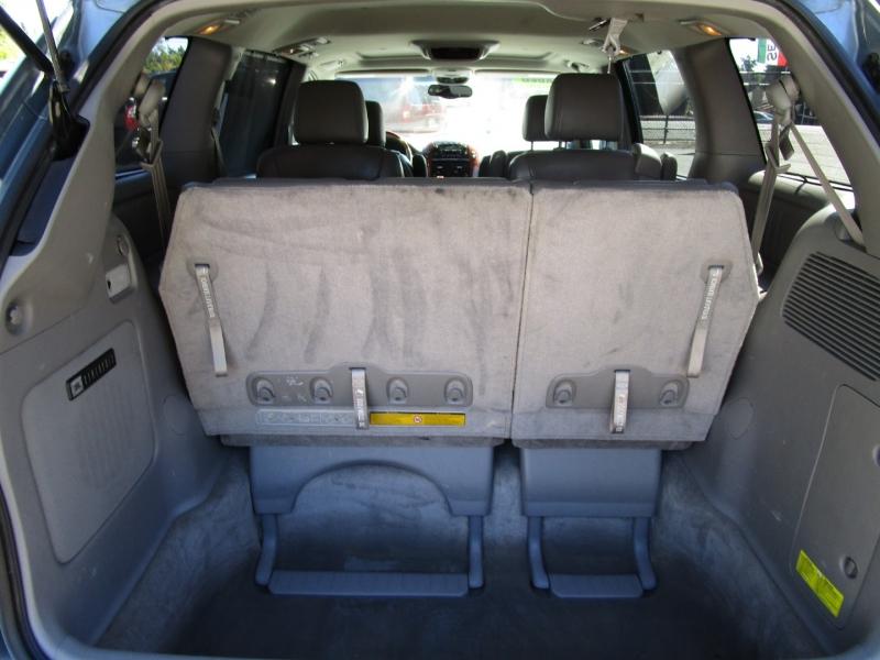 Toyota Sienna 2005 price $5,585