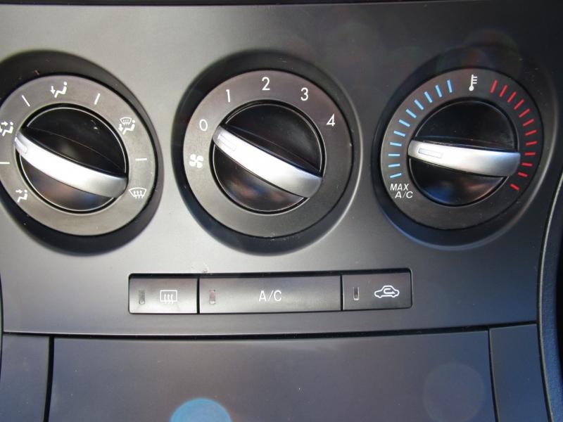 Mazda Mazda3 2013 price $7,285