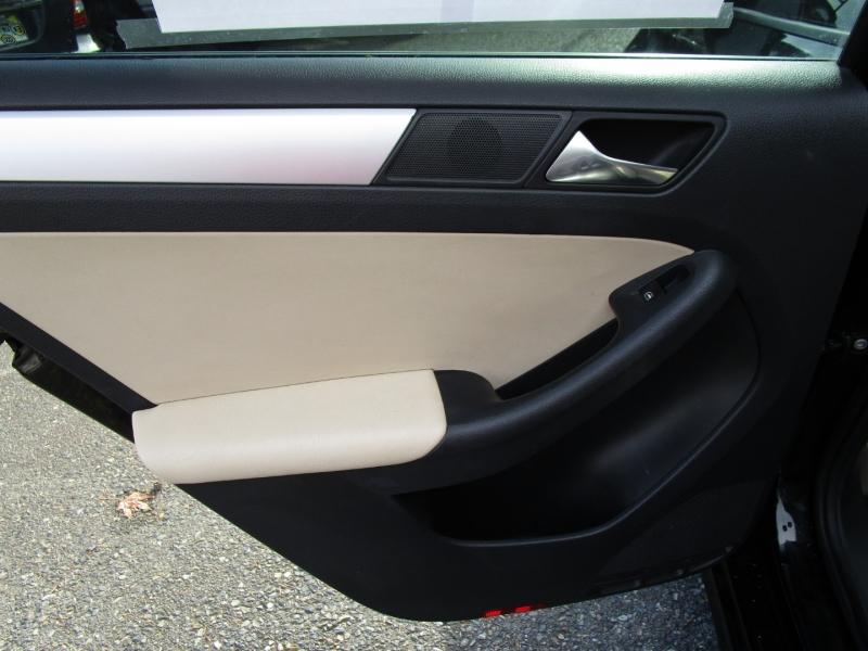 Volkswagen Jetta Sedan 2012 price $7,285