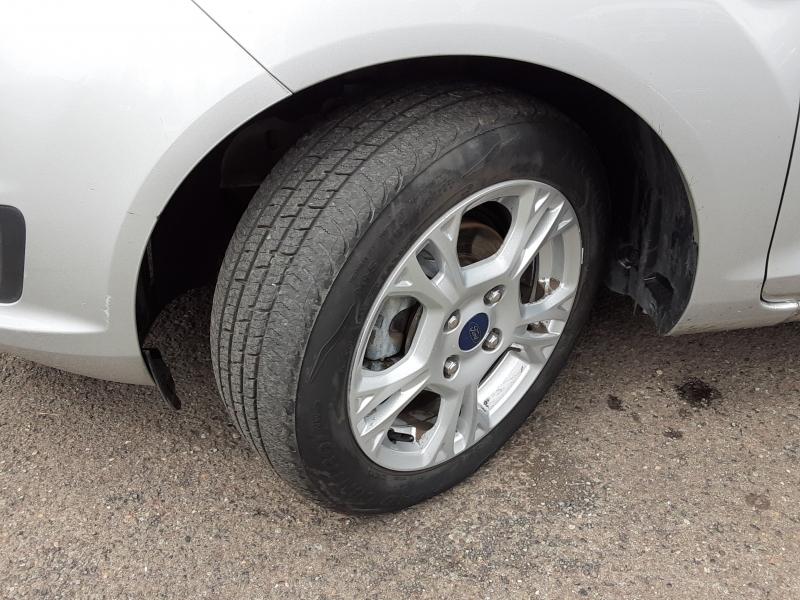 Ford Fiesta 2014 price $8,895