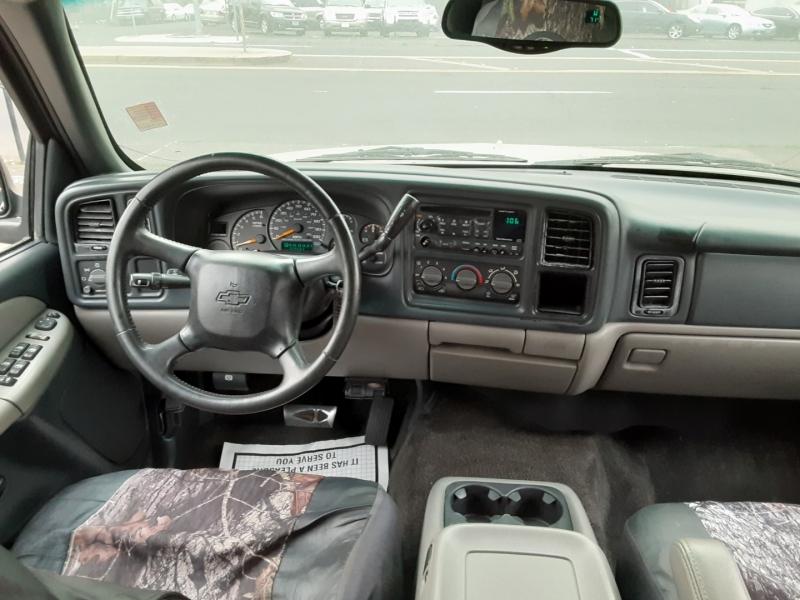 Chevrolet Suburban 2000 price $5,888