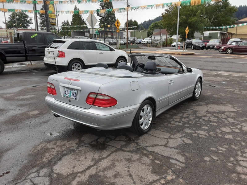 Mercedes-Benz CLK320 2002 price $7,995