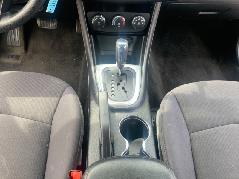 Chrysler 200-Series 2012 price $7,999