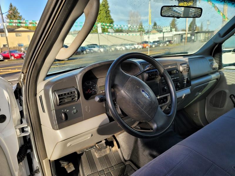 Ford Super Duty F-550 DRW 2006 price $15,995