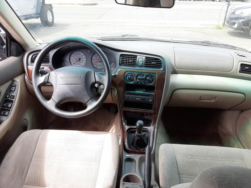 Subaru Legacy 2000 price $3,995