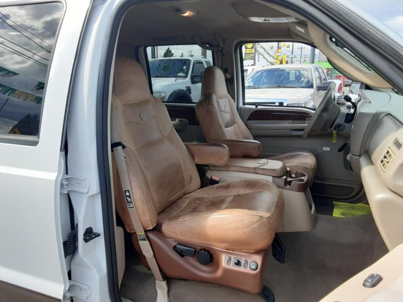Ford Super Duty F-350 DRW 2004 price $17,995
