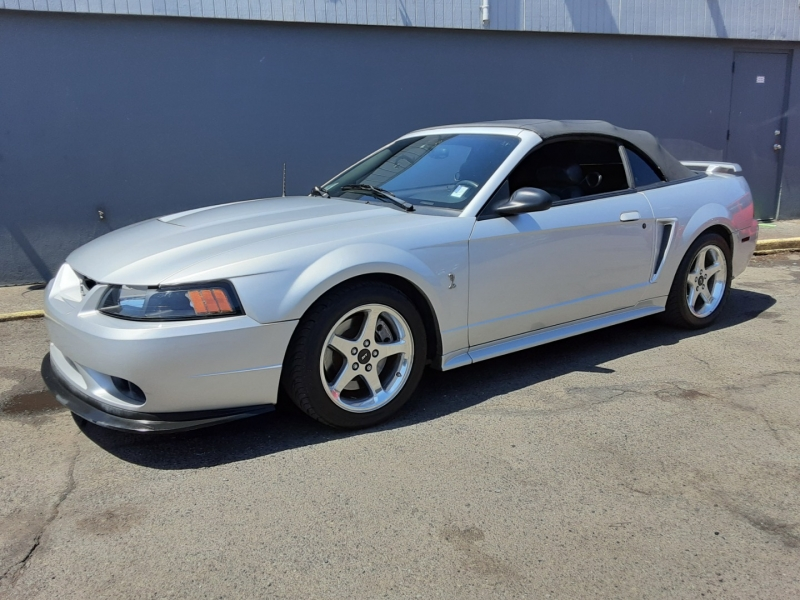 Ford Mustang 2001 price $13,995