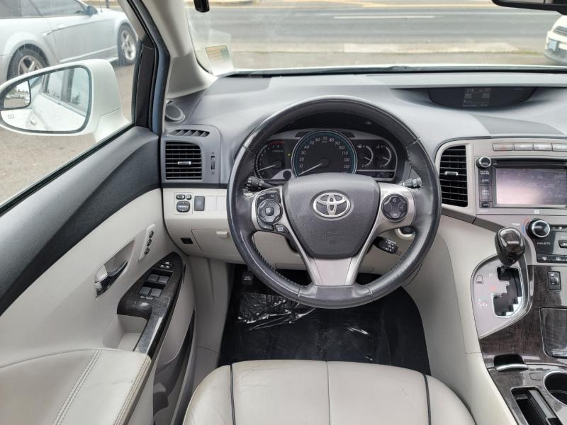 Toyota Venza 2014 price $12,995