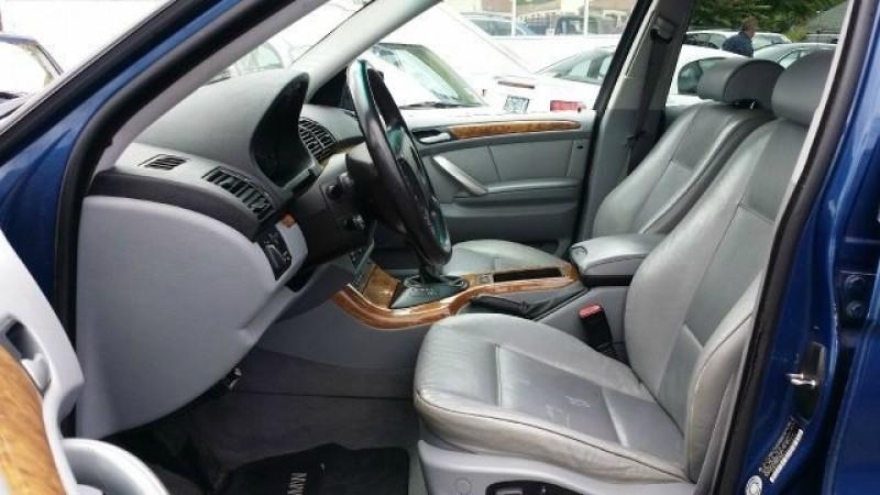 BMW X5 2000 price $2,995