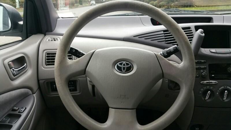 Toyota Prius 2001 price $3,995