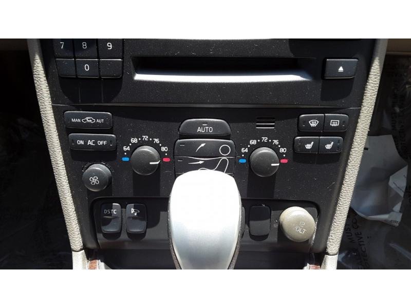 Volvo XC90 2004 price $7,777