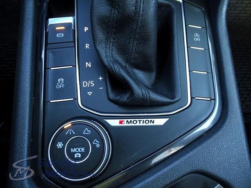 Volkswagen Tiguan 2018 price $23,900