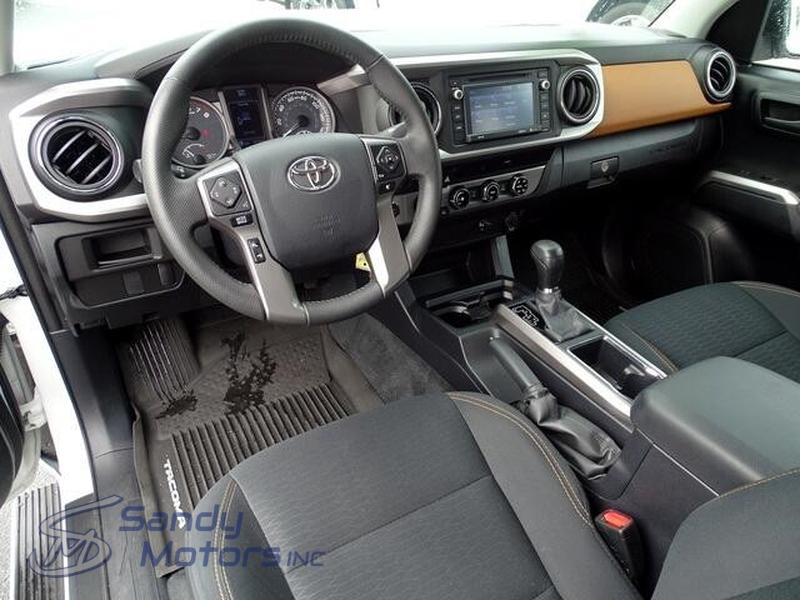Toyota Tacoma 2017 price $30,900