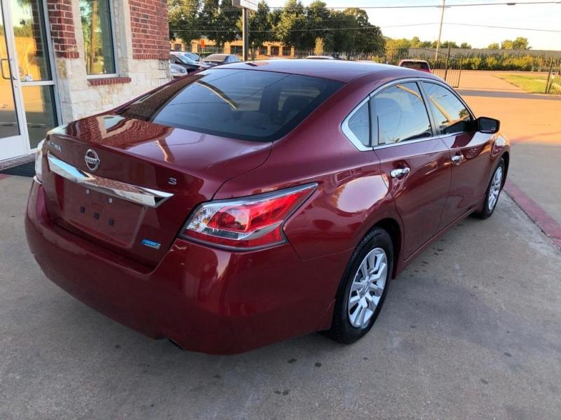 Nissan Altima 2014 price $7,577 Cash