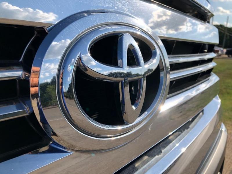 Toyota Tundra 2016 price $38,977