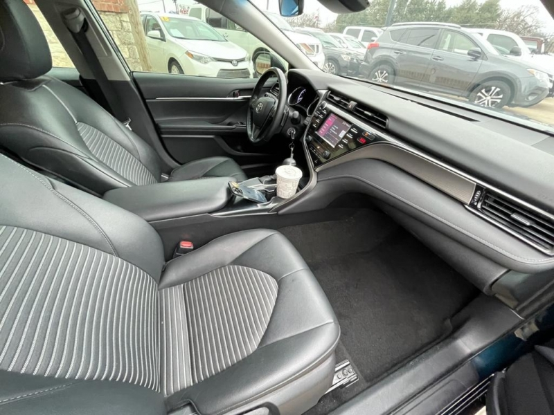 Toyota Camry 2019 price $17,277