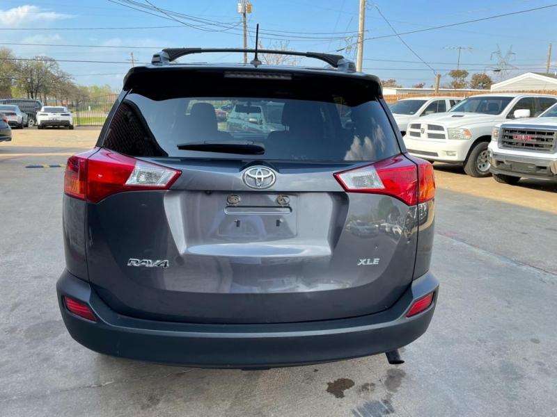 Toyota RAV4 2013 price $13,277