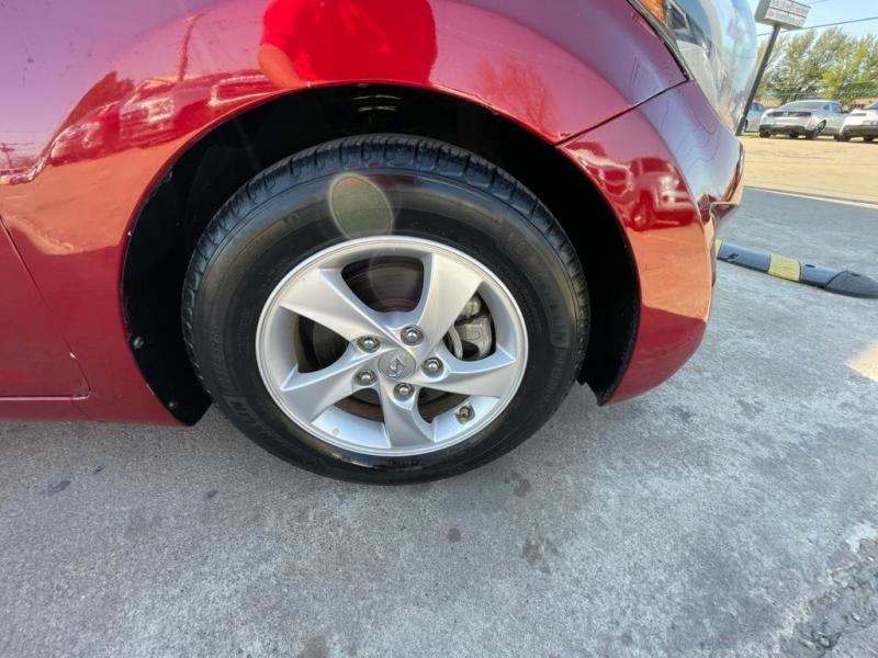 Hyundai Elantra 2014 price $8,777