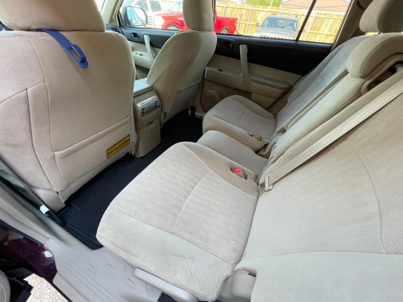 Toyota Highlander 2011 price $11,777