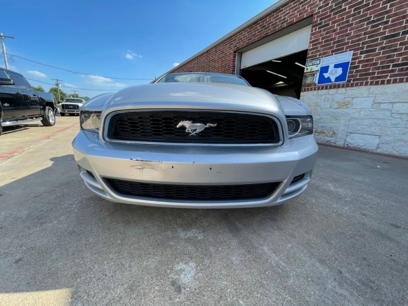 Ford Mustang 2014 price $11,977