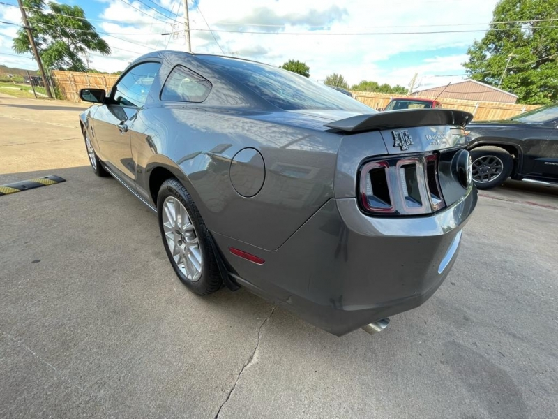 Ford Mustang 2014 price $12,977