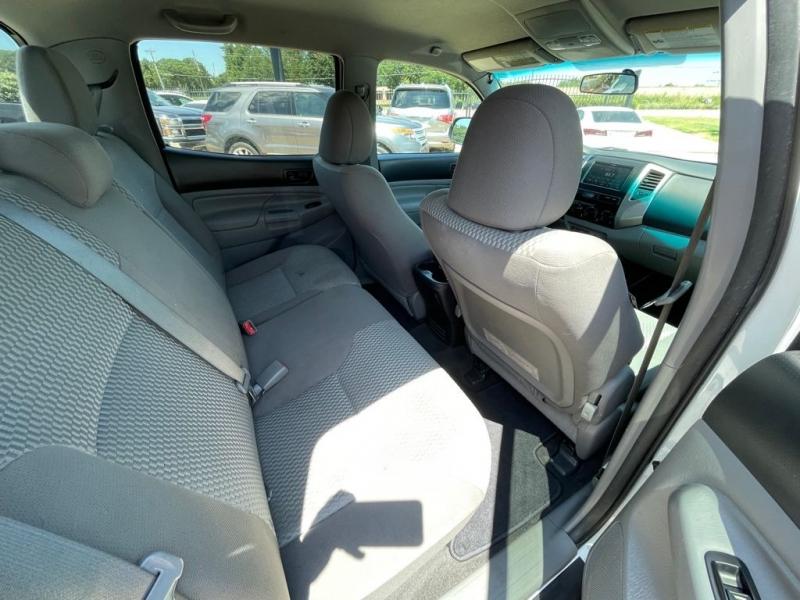Toyota Tacoma 2014 price $19,977