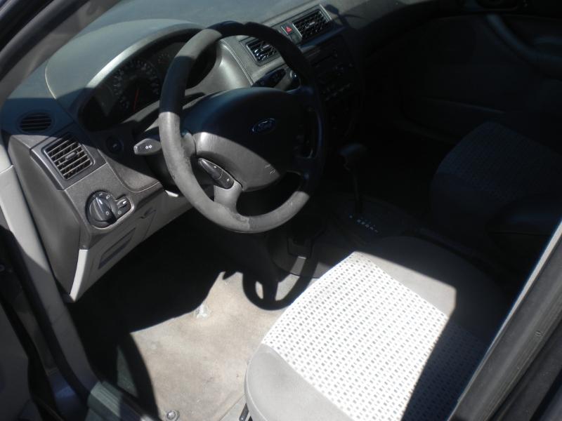 Ford Focus 2007 price $2,500 Cash
