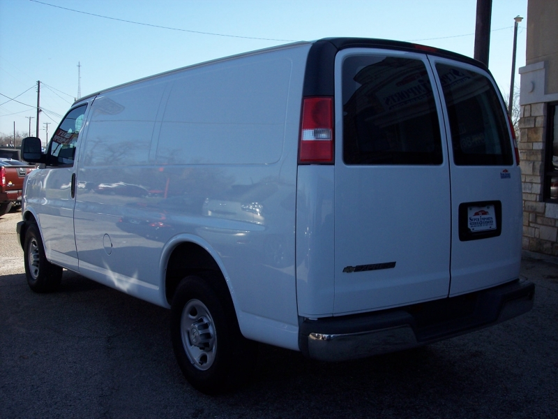 Chevrolet Express Cargo Van 2017 price $17,500 Cash