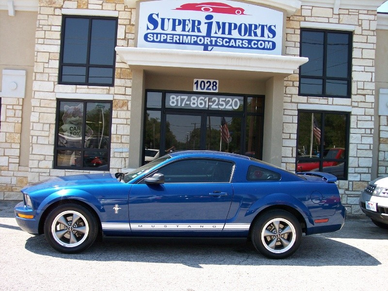 Ford Mustang 2006 price $8,286 Cash