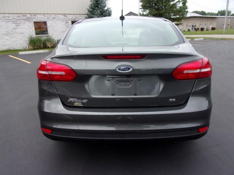 Ford Focus 2017 price $13,990