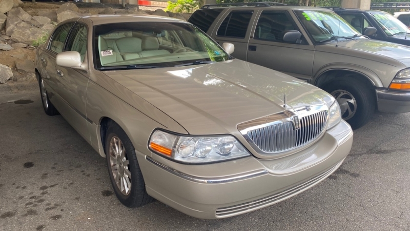 LINCOLN TOWN CAR 2007 price $4,650