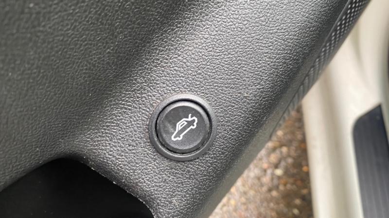 PONTIAC G6 2009 price $3,995