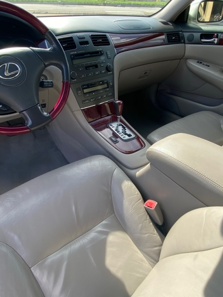 LEXUS ES 330 2004 price $4,600