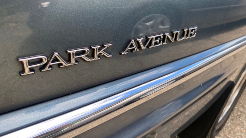 BUICK PARK AVENUE 2000 price $3,800