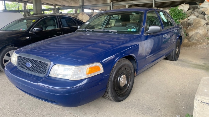 FORD CROWN VICTORIA 2003 price $4,500