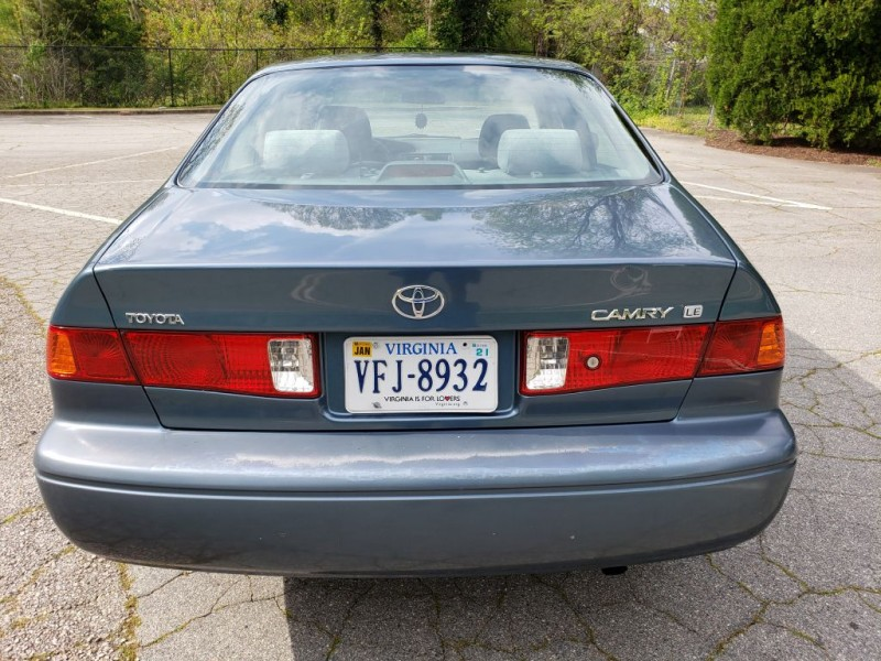 TOYOTA CAMRY 2001 price $4,200