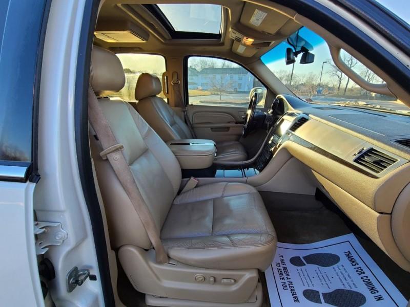 CADILLAC ESCALADE 2011 price $16,200