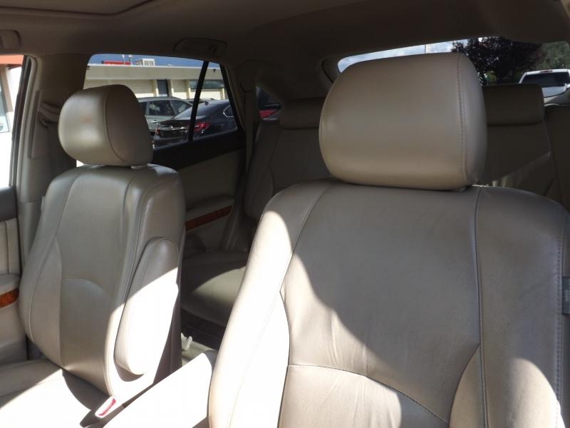 Lexus RX 330 2004 price $7,750
