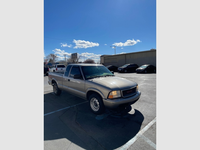 GMC Sonoma 2001 price $5,495