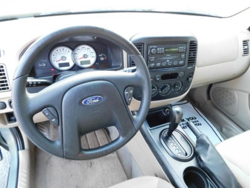 FORD ESCAPE 2005 price $5,995