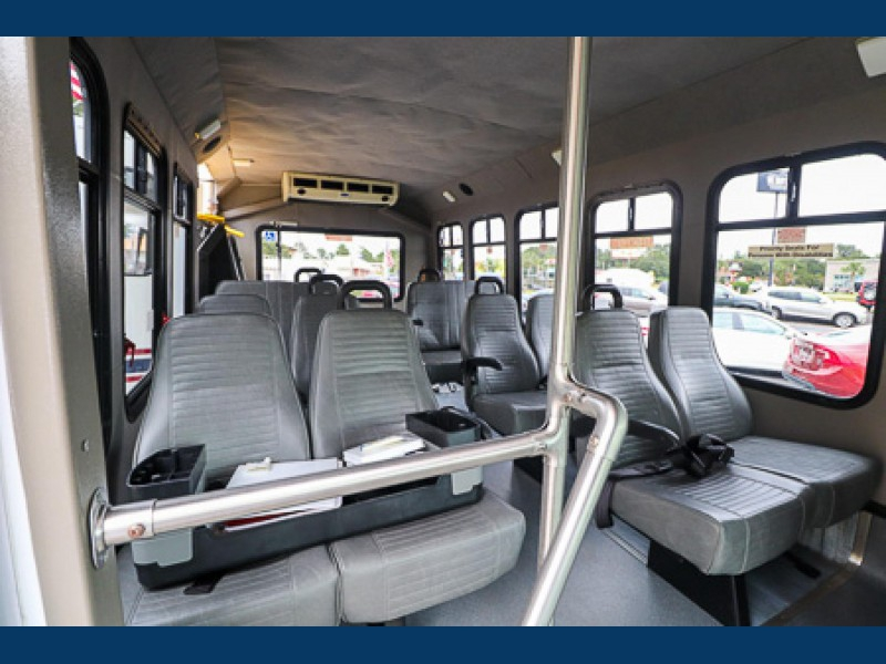 FORD COMMERCIAL PASSENGER BUS HANDICAP LIFT 2007 price $14,990