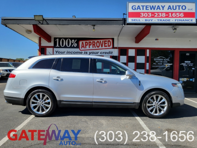 Lincoln MKT 2010 price $10,995