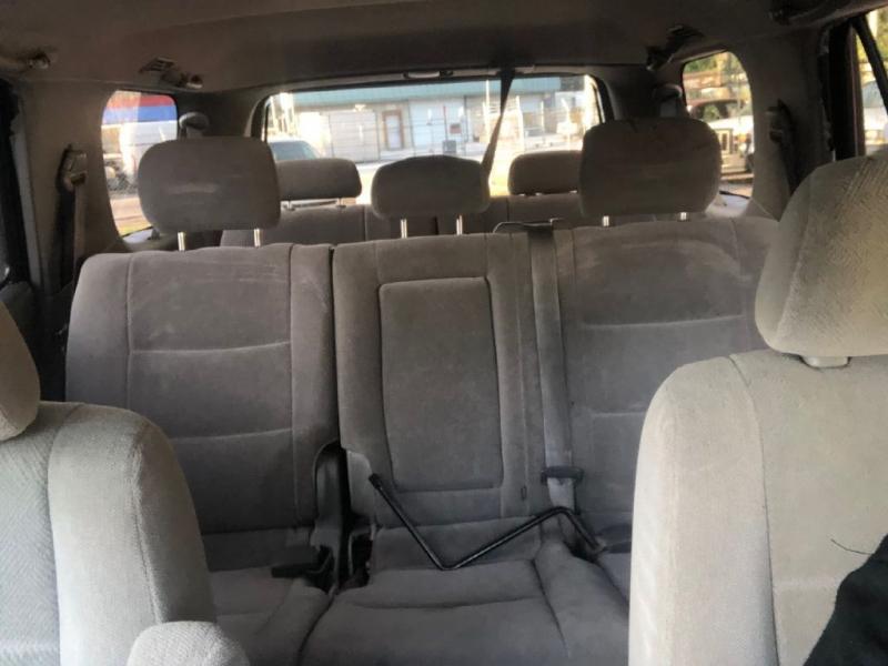 Toyota SEQUOIA 2004 price $5,950