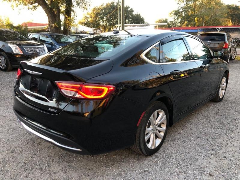 Chrysler 200 2015 price $7,950