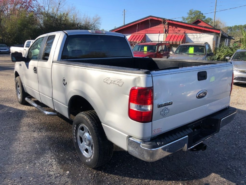 FORD F150 2005 price $2,800 Down