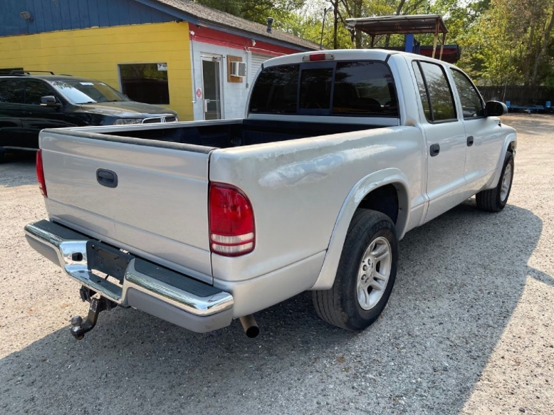 Dodge DAKOTA 2004 price $5,800