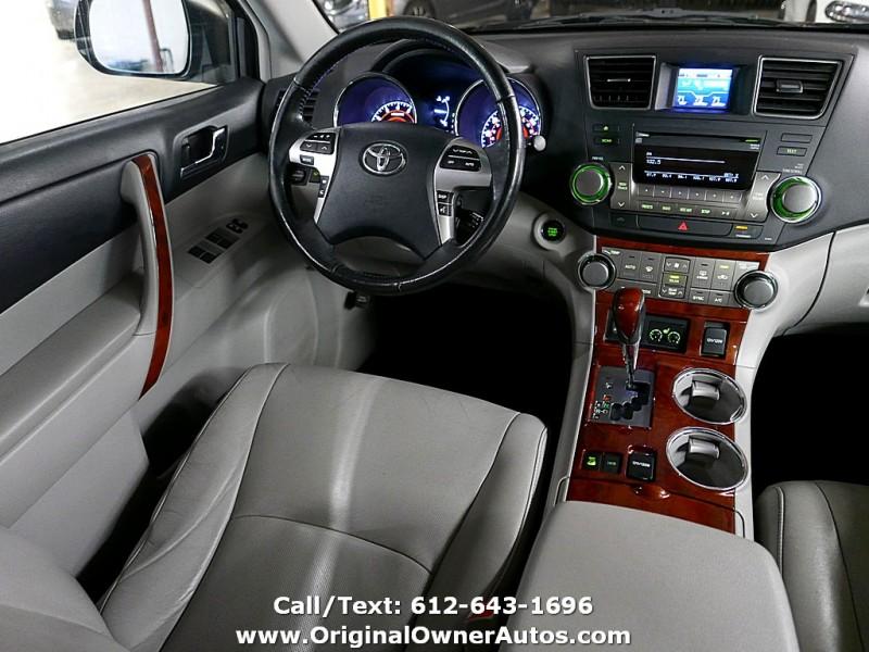 Toyota Highlander 2011 price $9,995