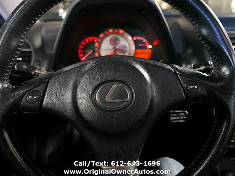 Lexus IS 300 2002 price $3,495