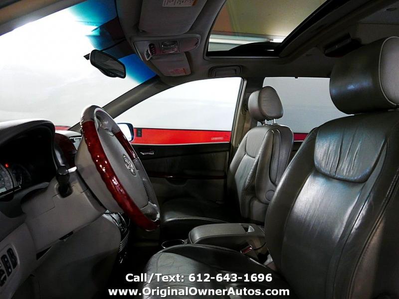 Toyota Sienna 2004 price $5,995