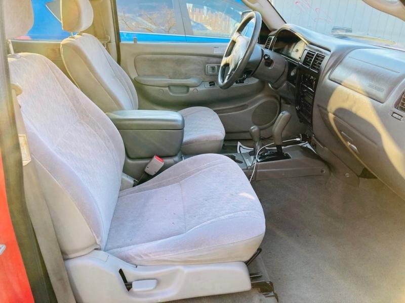 Toyota Tacoma 2002 price $13,995